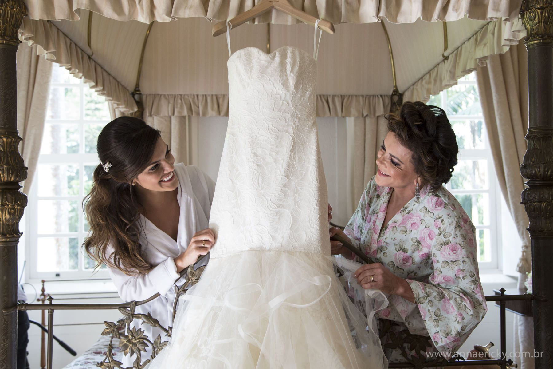 Fotos lindas para a noiva fazer com a mãe no dia do casamento