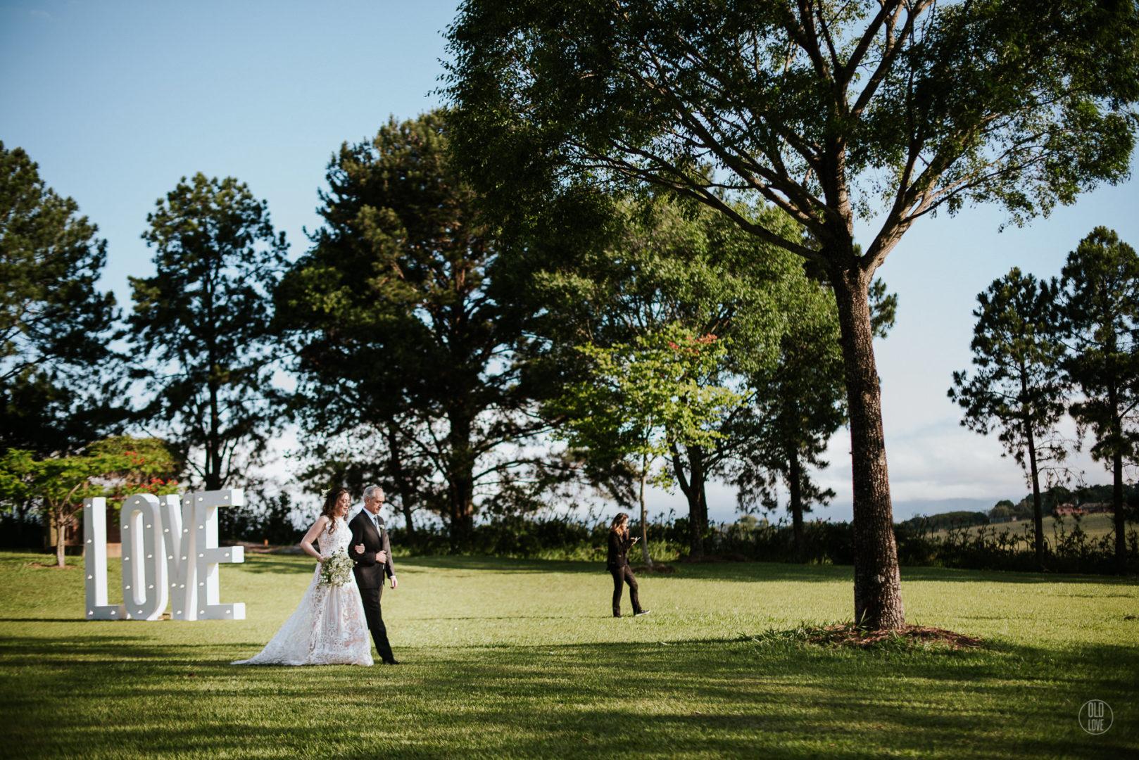casamento no campo ao ar livre