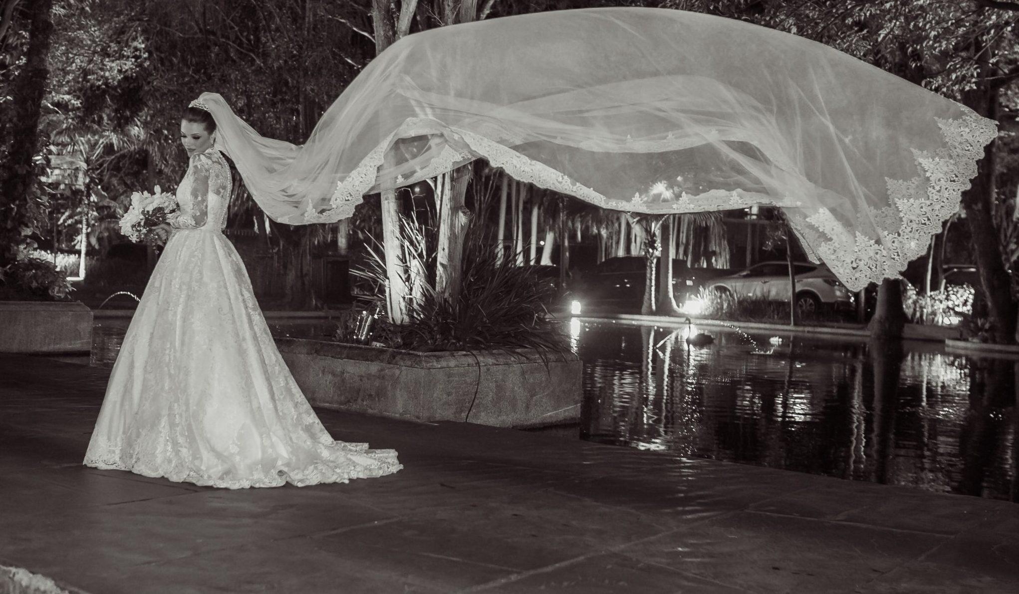 Noivas contam quantos vestidos provaram até encontrar o modelo perfeito
