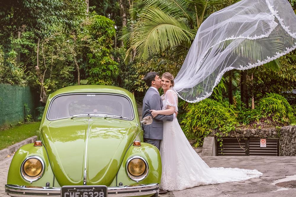Casamento rústico ao ar livre: Thaís e Rodrigo