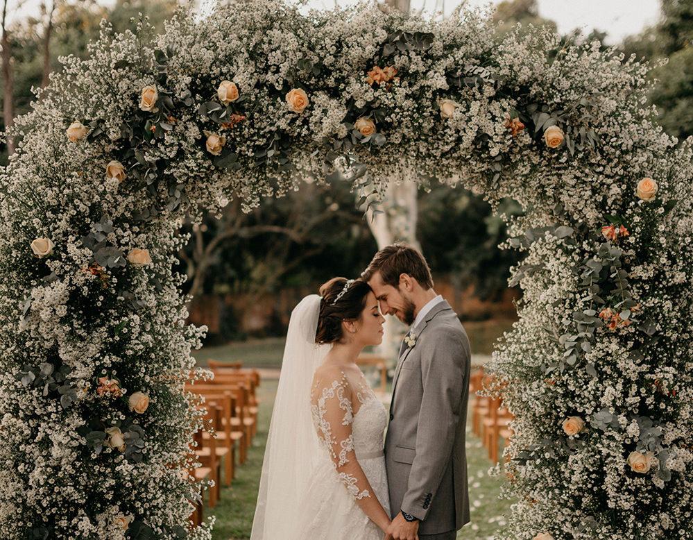 Casamento romântico no campo: Raquel e Hamilton
