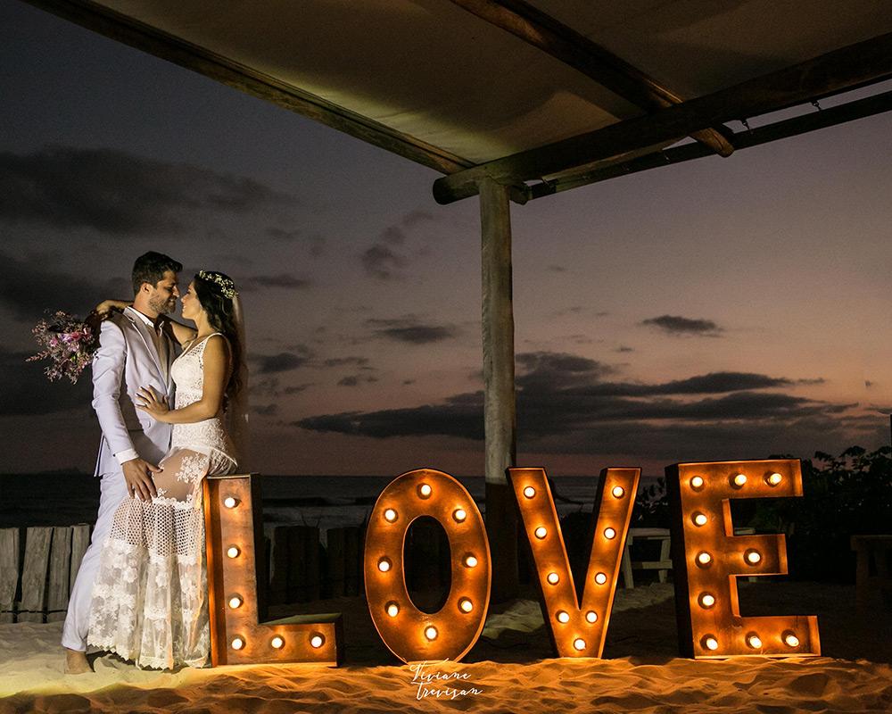 Casamento na Praia de Maresias: Lyara e Paulo