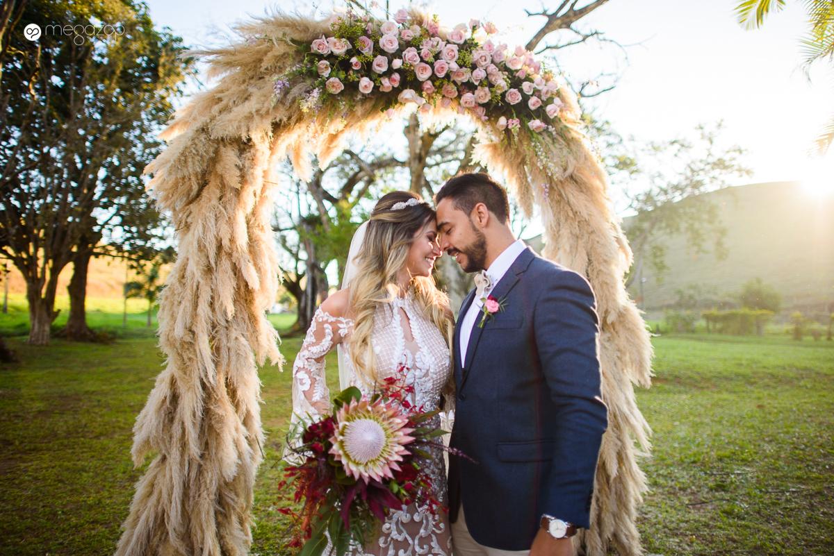 Casamento rústico chique na fazenda:  Ludi e Kenzi