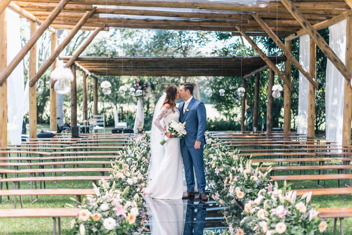 Casamento romântico organizado em três meses: Alessandra e Diego