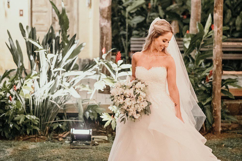Casamento rústico chique em Ilhabela: Lívia e Alfredo