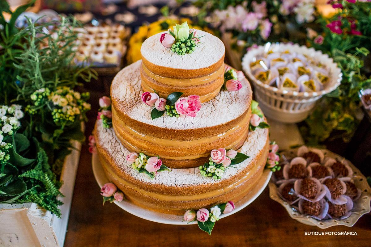 Ideias lindas de decoração para bolo de casamento