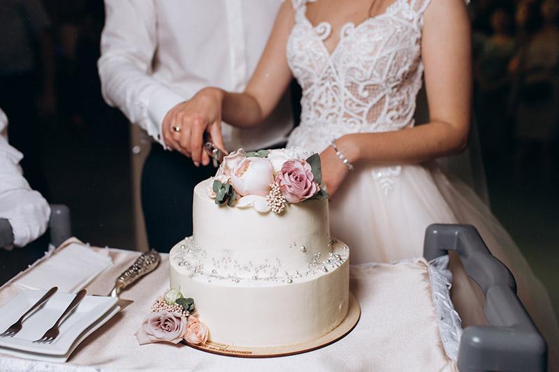 cálculo da quantidade de bolo do casamento