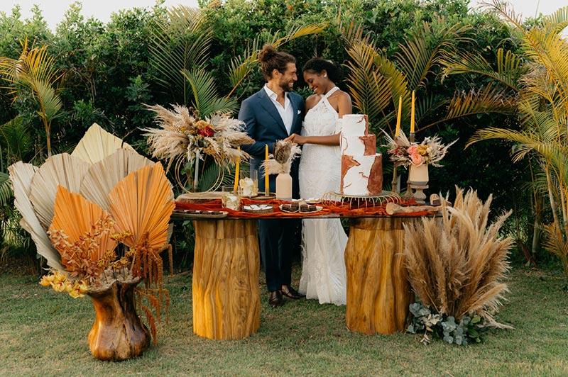 Mesa de doces casamento moderno no campo