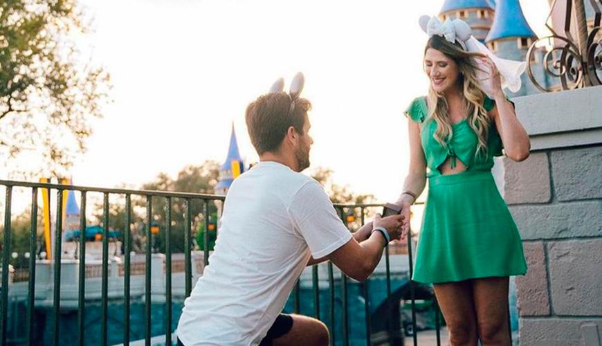 6 famosos que ficaram noivos em 2021