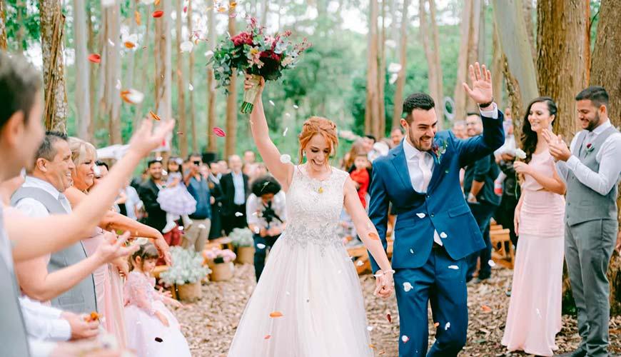 Casamento rústico e romântico na floresta: Kelly e Danilo